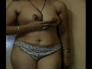 aunty  striptease