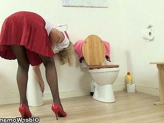 bathroom  gilf  grandma