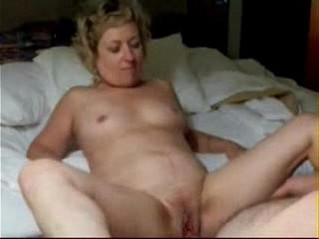 amateur  gilf  masturbation