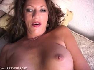 cougar  juicy  mom