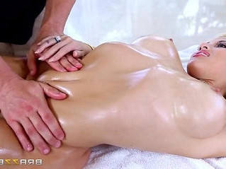 kinky   lady   massage