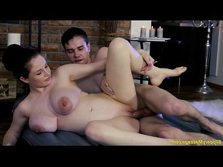 busty  fuck  pregnant